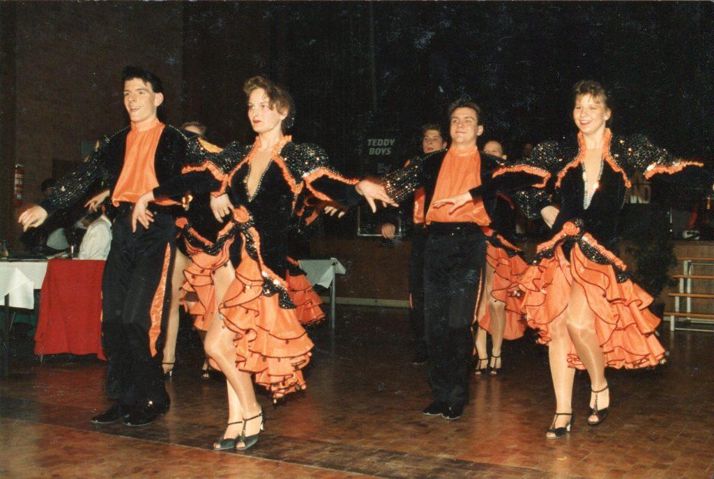 Die spanische Rothaarige Susy Gala wird mit purer Leidenschaft massiert und gefickt